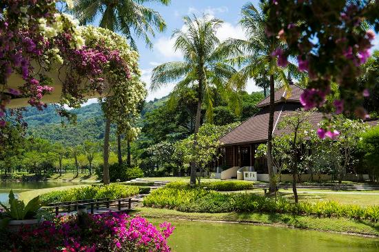 Hilton Phuket Arcadia Resort & Spa: Resort Exterior