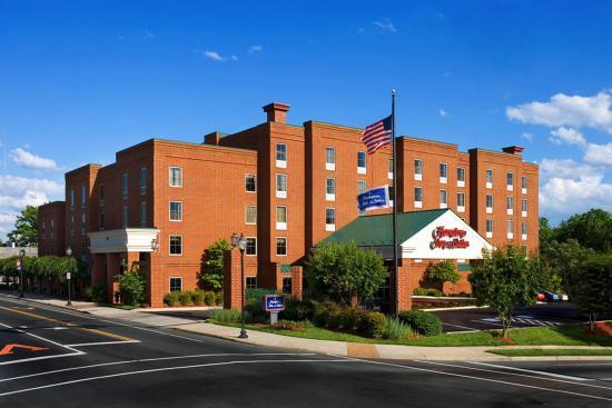 Photo of Hampton Inn and Suites Charlottesville - At The University