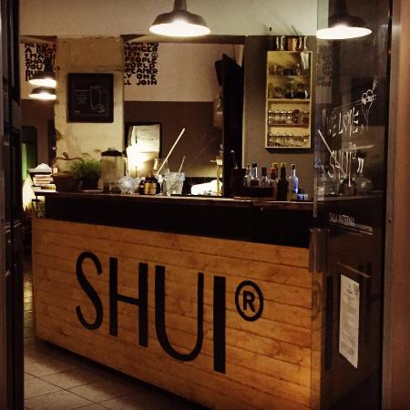 Shui Bar - Cocktail Mixology