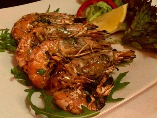 Rocco's pizza trattoria : Pizza, pasta & grilled prawns. Food was okay. Not as good as before