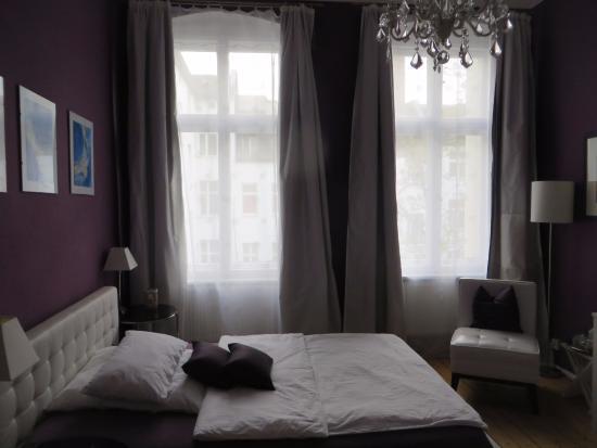 mittendrin: Smaller elegant room