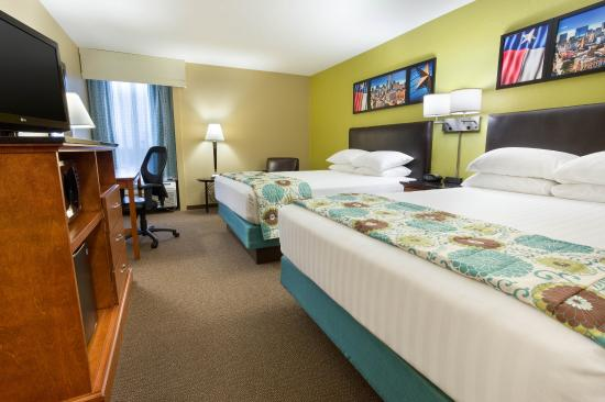 Drury Inn & Suites Houston The Woodlands: Deluxe Queen Guestroom