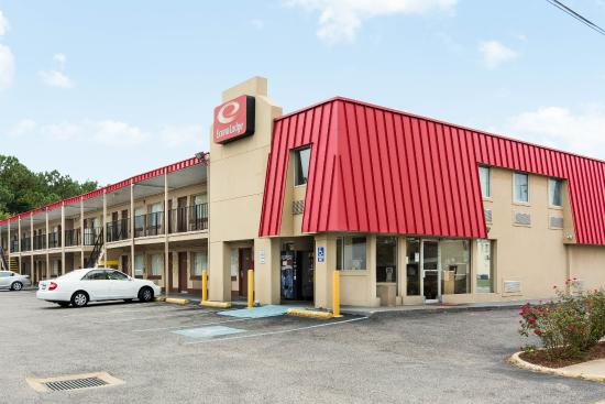 Econo Lodge Town Center: Exterior