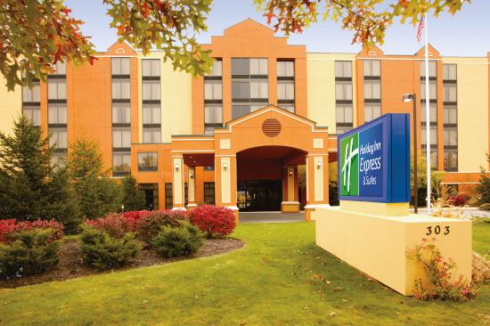 Holiday Inn Express Hotel & Suites South Portland: Hotel Exterior