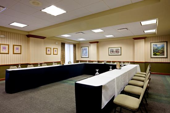 Holiday Inn Express Hotel & Suites South Portland: Meeting Room