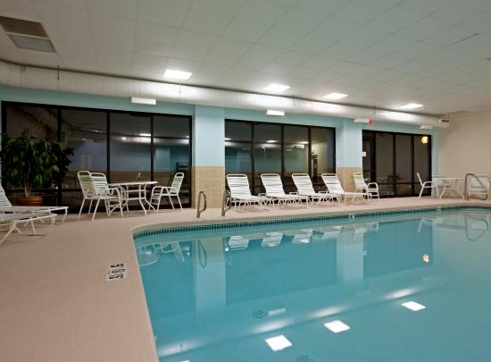 Holiday Inn Express Hotel & Suites South Portland: Swimming Pool