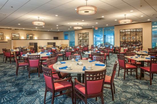 Strongsville, OH: Enjoy Dining in our full service Simmering Restaurant