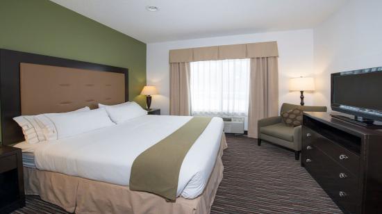 Riverwoods, IL: King Bedroom Area of Suite