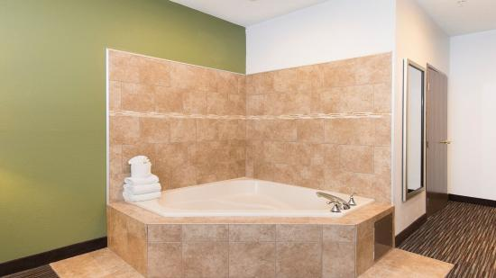 Riverwoods, IL: In Room Whirlpool Suite