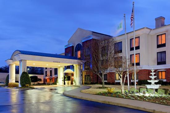 Photo of Holiday Inn Express & Suites Tyler