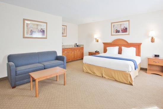 Holiday Inn Express New Bern: Whirlpool