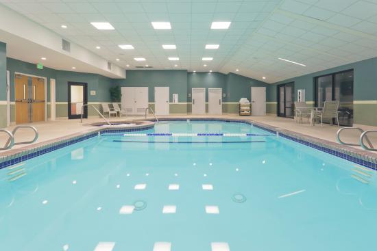 هوليداي إن داون تاون - إفريت: Swimming Pool