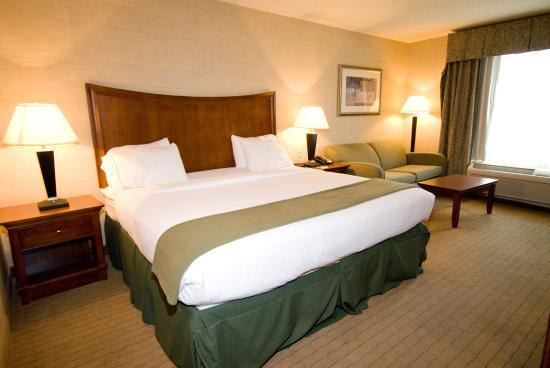 Urbana, IL: Single Bed Guest Room