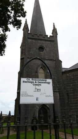 Strokestown, Ιρλανδία: Co. Roscommon Heritage and Geneaology Centre - tower view