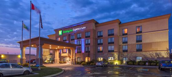Photo of Holiday Inn Express Hotel & Suites Belleville