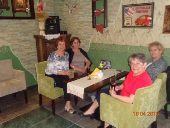Bursztyn SPA & Wellness: Przytulna kawiarenka.