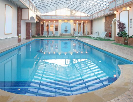 The oxford belfry oxfordshire hotel reviews photos prices Swimming pool sutton coldfield