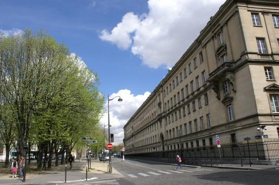 Rue de l'Universite
