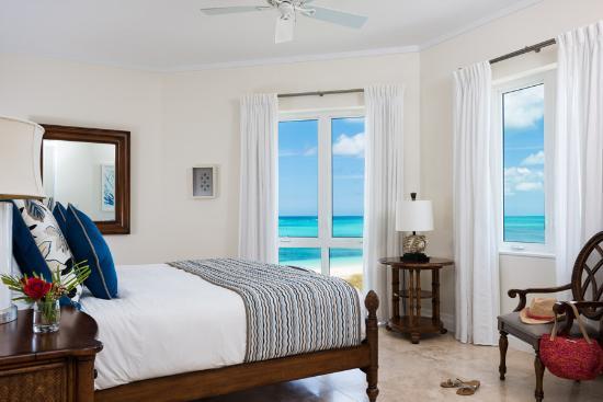 West Bay Club: Three Bedroom Premier Suite Second Bedroom