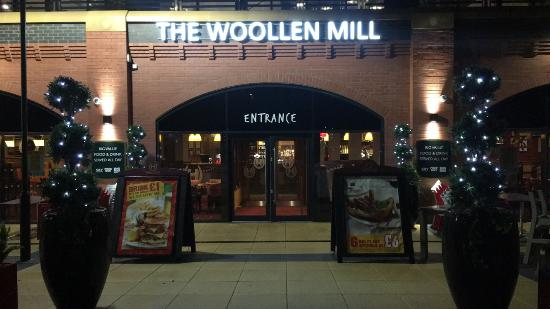 ‪The Woollen Mill‬