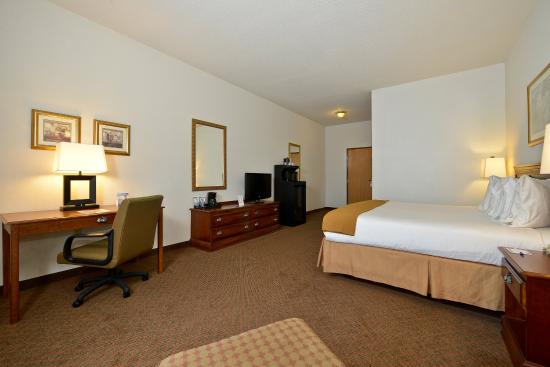 Rochelle, IL: Guest Room