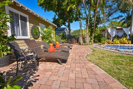 Wilton Manors, FL: intimate setting