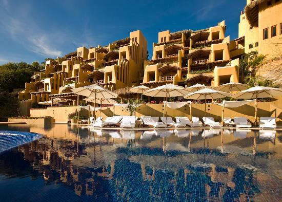 Cala de Mar Resort & Spa Ixtapa: Capella Ixtapa Exterior Day