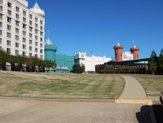Fitz Casino and Hotel: hotel on left, casino center/right