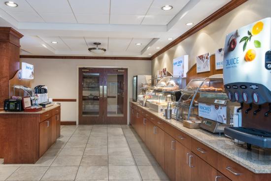 Tilton, NH: Breakfast Bar