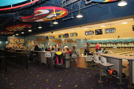 Bowlerama Barrie: Stunning place