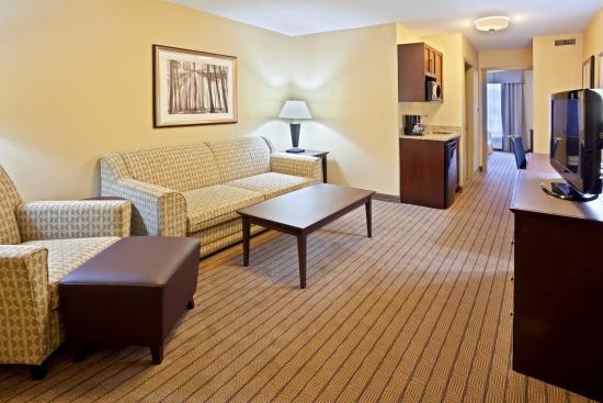 Куртенэ, Канада: Executive King Suite Living Room