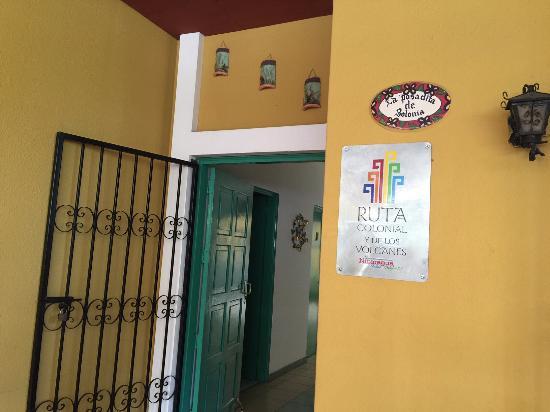 La Posadita de Bolonia: Hall y pasillo de entrada