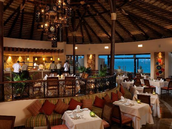La Roca: La Roca Restaurant International Cusine