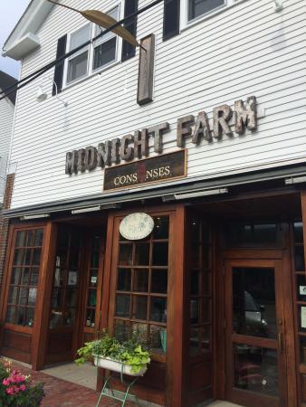 Vineyard Haven, Μασαχουσέτη: Consenses' Store Front