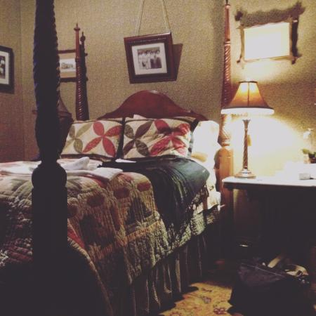 William Lewis House: My room