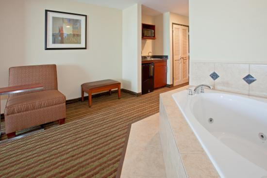 Holiday Inn Austin North-Round Rock: Jacuzzi Suite