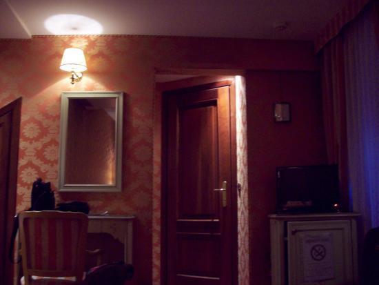Hotel Lux Photo
