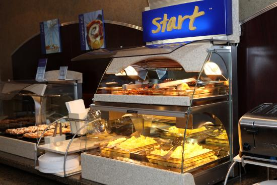 Holiday Inn Express & Suites - Medical District: Breakfast Bar