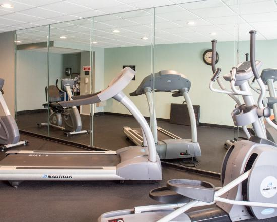 Clarion Inn & Suites Virginia Beach: Fitness room