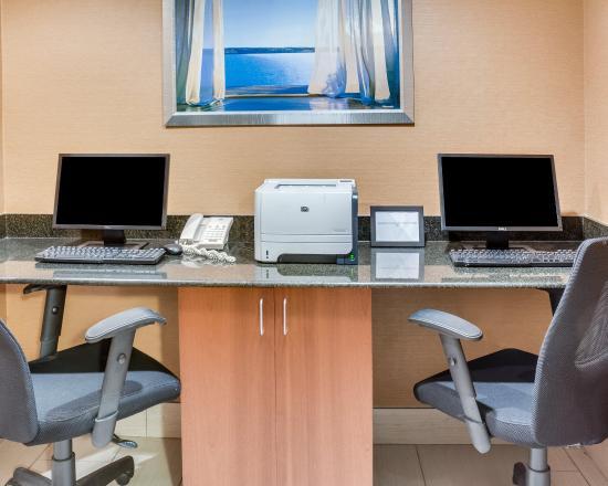 Clarion Inn & Suites Virginia Beach: Business center