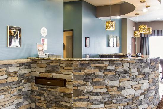 Comfort Suites Hudson: Lobby