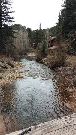 Ponderosa Lodge: Bridge coming into Ponderosa.