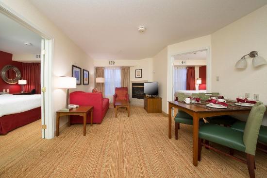Residence Inn Sacramento Folsom: Two Bedroom Suite