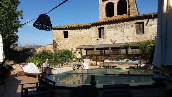 El Palauet de Monells: Having a wonderfull breakfast