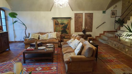 El Palauet de Monells: A nice place to relax at hotel first floor