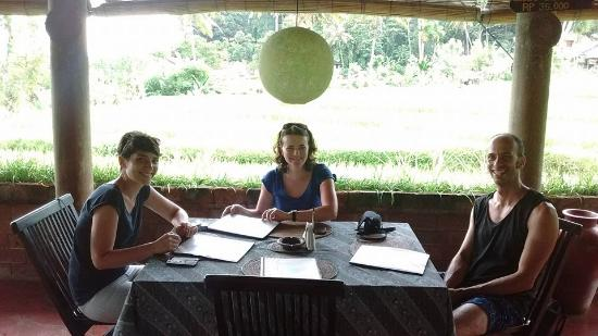 Puri Sawah Bungalows : Le restaurant avec derrière les rizières !