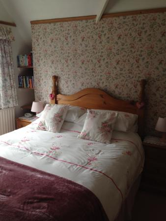 Playden, UK: Comfy kingsize bed