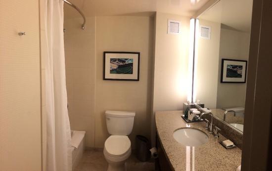 hilton bayfront room bathroom picture of hilton san diego bayfront rh tripadvisor ca