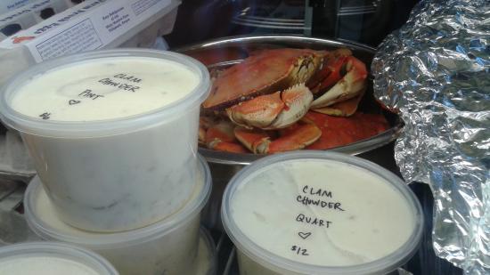 Garibaldi, Oregón: Local buzz says the clam chowder is fantastic.