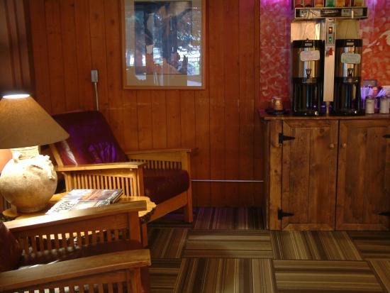 Teton Village, WY: Lobby Chairs & Coffee
